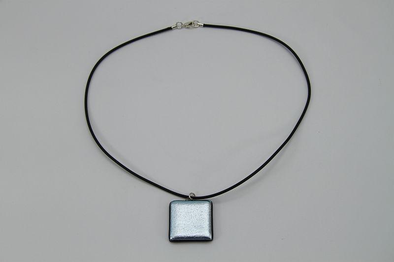 Glasschmuck Glaskette silberblau matt 1