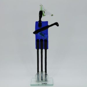 Glasfigur Golfer rot blau 1