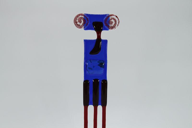 Glasfigur Widder rot blau 2