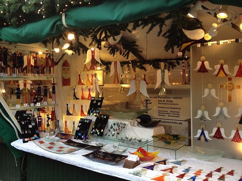 Stand auf dem Weihnachtsmarkt Augsburg