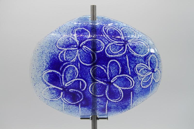 Gartenstele Glasstele Segel Blume hellblau dunkelblau 2