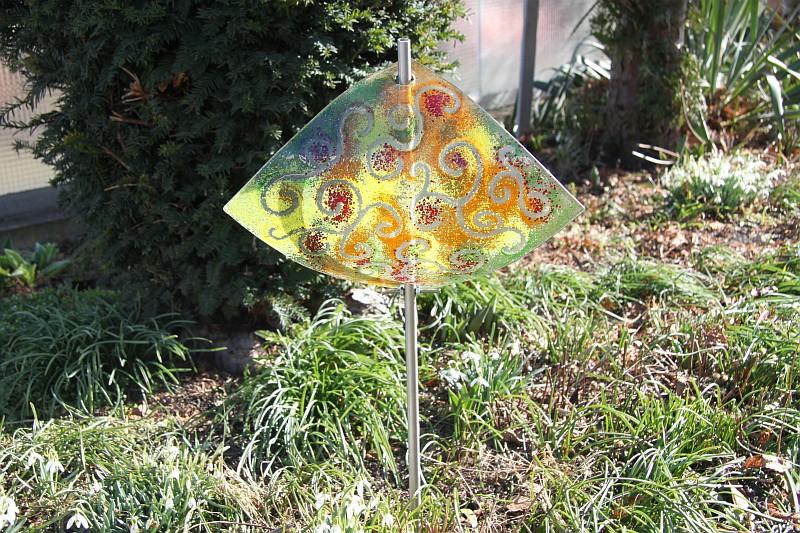 Gartenstele Glasstele Segel Ranke grün orange 2