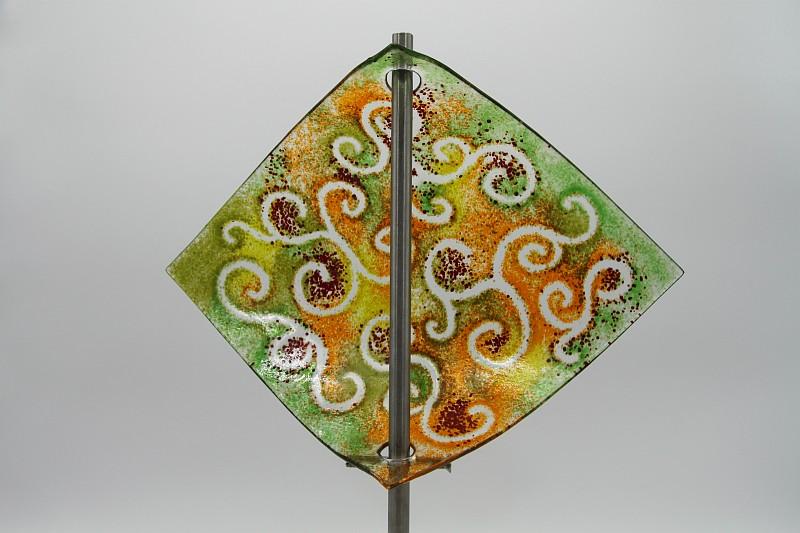 Gartenstele Glasstele Segel Ranke grün orange 4
