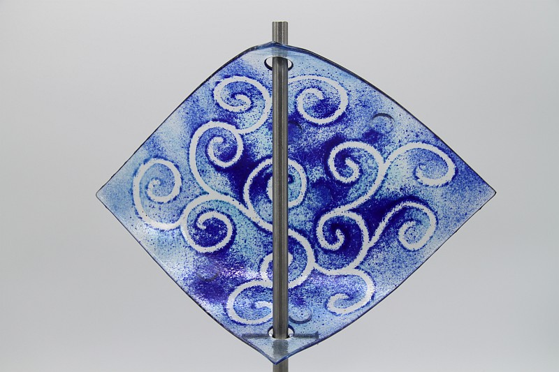 Gartenstele Glasstele Segel Ranke hellblau dunkelblau 4