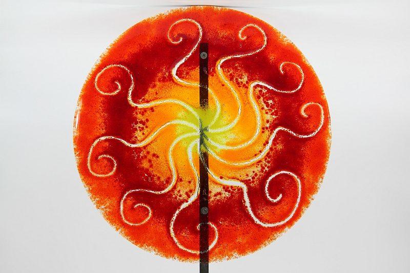 Gartenstele Glasstele rund Sonne rot gelb 1
